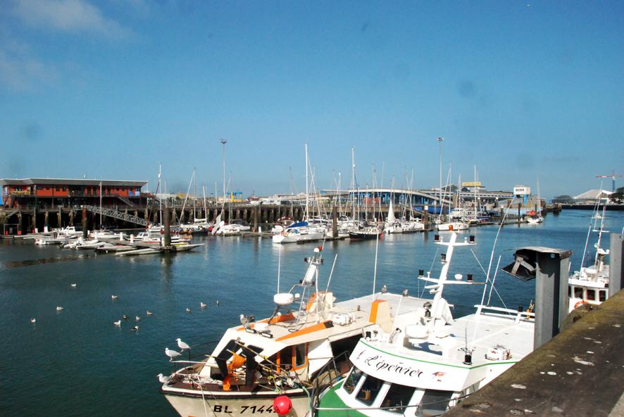 avant-port du port de plaisance de Boulogne sur mer